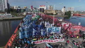 """""""El ajuste pone en riesgo la paz social"""", advierten desde Barrio de Pie, en la Marcha Federal"""