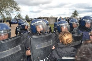 """Legisladores repudiaron el """"violento operativo"""" de desalojo en Parque Esperanza"""