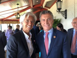 """La Argentina vuelve a ser """"mercado emergente"""" y el FMI aprobó el acuerdo por USD 50 mil millones"""