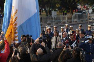 """Lifschitz lamentó """"la grieta"""" tras la ausencia de Macri al acto por el Día de la Bandera"""