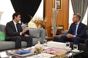 """Acuerdo FMI:  Urtubey y Redrado coincidieron en plantear un """"esquema superador"""" al ajuste"""