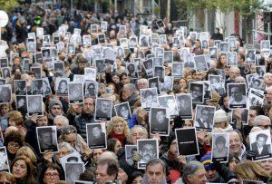 """La muerte de Nisman """"es consecuencia de la impunidad de los criminales extranjeros"""", dijo el titular de la AMIA"""