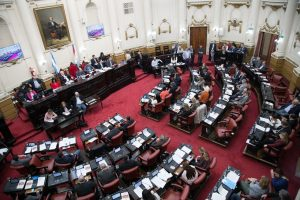 Proyecto con aval para instruir a los senadores por el rechazo al aborto legal
