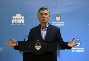 Para Macri, el país atraviesa una «tormenta» y no una crisis