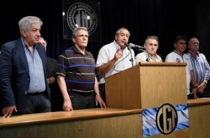 """Triunviro de la CGT pide revisión de todas las paritarias, """"con o sin cláusula"""""""