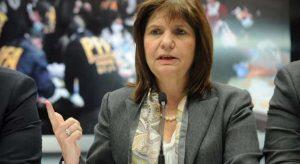 Al defender los cambios en las FF.AA, Bullrich criticó a la exministra K, Nilda Garré