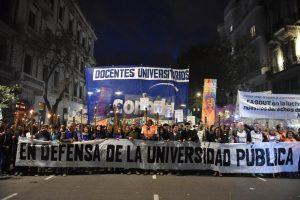 Por el conflicto salarial y en defensa de la educación pública, docentes universitarios paran toda la semana