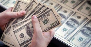 El dólar cerró a $31,46 y marcó un nuevo récord