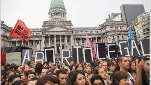 """Amnistía internacional le pide a la titular de la """"Banca de la Mujer"""" que no rechace el aborto legal"""