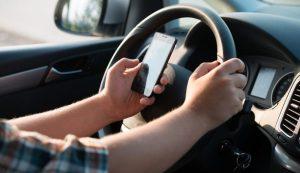El celular como elemento de distracción al momento de conducir