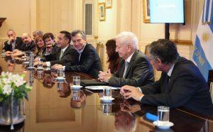 Ante rectores, Macri afirmó que «ya no existe el techo del 15%» para las paritarias