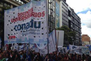 Docentes universitarios se suman al paro nacional convocado por Ctera