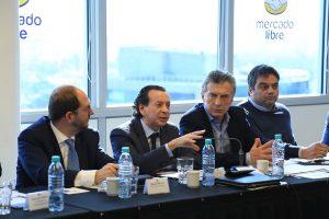 """El Gobierno prepara una convocatoria a la CGT por el reclamo de paritarias """"permanentes"""""""