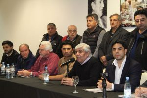 Hugo Moyano se quejó de que hasta la Mosad y la CIA lo controlan