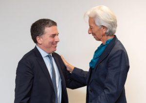 Dujovne ya negocia con el FMI el refuerzo al programa de financiamiento