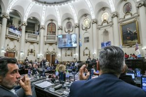 Oficialistas y opositores rindieron homenaje a De la Sota