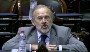 Amadeo salió a bancar la medida del Gobierno de suspender la baja de retenciones al Campo