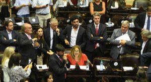 La oposición cargo duro tras los anuncios del Gobierno macrista