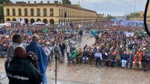 En medio de la tensión con el Gobierno, los Moyano encabezaron la movilización a la Basílica de Luján