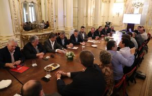 Mestre se reunió con Macri y recibió un guiño de Peña