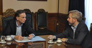 Pichetto salió al cruce de los que califican de «traidor» al que vota el Presupuesto