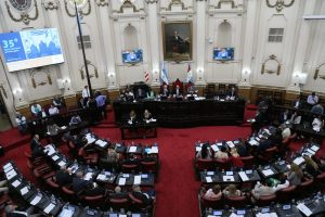Con el apoyo del PRO, el oficialismo aprobó la nueva toma de deuda (USD 500 M) que pidió el Gobierno schiarettista