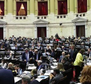 Con un Congreso vallado, Diputados trata el Presupuesto 2019