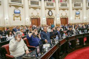 """A instancia del peronismo, la Legislatura repudió el """"ajuste"""" de Nación sobre las prestaciones de diálisis"""
