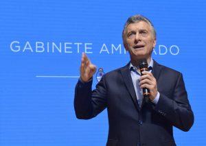 """Macri agradeció a los argentinos el poner «el hombro"""" ante """"semejante"""" devaluación"""