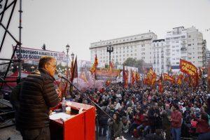 Pitrola llamó a los trabajadores a levantarse en contra del «régimen corrupto de los Macri, el kirchnerismo y el pejotismo»