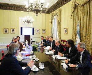 Macri rubricó el decreto por el bono de fin de año