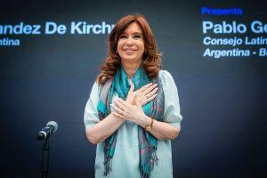 CFK cargó contra el Gobierno «neoliberal» de Macri y llamó a concebir un «frente social, cívico y patriótico»