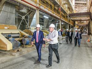 """Urtubey propone fortalecer """"la sinergia entre el campo y la industria"""""""