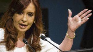 Al denunciar espionaje en su domicilio de Recoleta, CFK le apuntó al Gobierno