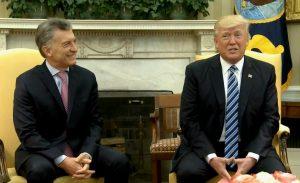 """Trump con la """"promesa"""" de que empresas de EEUU inviertan 20.000 millones de dólares en energía"""