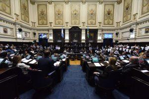 Vidal consiguió la aprobación de leyes clave con apoyo peronista