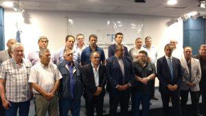 """Ante empresarios y sindicalistas, Scioli reafirmó que """"hay otro camino"""""""