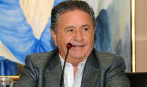 Duhalde insiste que el Gobierno se está «ahogando en una palangana»