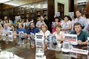 Los gremios docentes rechazaron oferta del Gobierno bonaerense