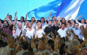 De cara a las elecciones, el PJ bonaerense selló la unidad para enfrentar a Vidal