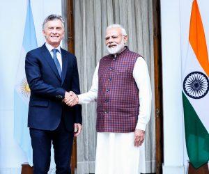 Macri firmó diez acuerdos y acordó profundizar la relación bilateral con India