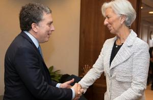 Comitiva del FMI inicia una nueva revisión de las cuentas del Gobierno macrista