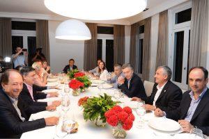 Sanz también quiere un candidato  a presidente de la UCR que compita en las PASO