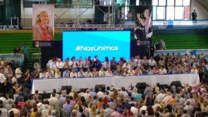 El PJ (con la inclusión de La Cámpora) llamó a Massa y a gobernadores a integrar un frente contra Macri
