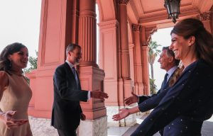 """""""Es una muestra de apoyo a este momento de cambio"""", dijo Macri sobre la visita de los reyes de España"""