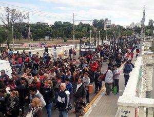 """Como en gran parte del país, en Córdoba hubo protestas por «la profunda crisis social que genera el ajuste"""""""