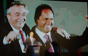 Con críticas al Gobierno, Scioli lanzó su precandidatura a presidente