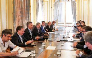 Macri y parte de su Gabinete analizan medidas económicas para activar el consumo