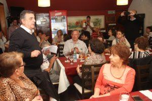 Negri promete devolver el 82% móvil a los jubilados, empezando por los docentes
