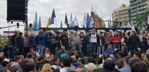 En la jornada de paro, el arco sindical cordobés marchó para decir «Basta Macri»